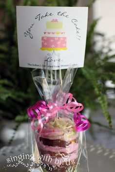 Teacher appreciation cupcakes including a fork! How cute is this? @singingwithbirds.blogspot.com