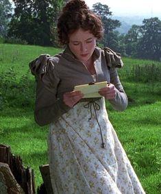 Jennifer Ehle as Elizabeth Bennet in 'Pride and Prejudice' reading her letter from Mr. Elizabeth Bennet, Jennifer Ehle, Jane Austen Movies, Ella Enchanted, Mr Darcy, Classic Literature, Anne Of Green Gables, Pride And Prejudice, Period Dramas