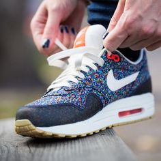 nike air max (today is nike air max day)