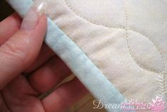 Hottest Photographs invisible hand sewing Strategies How to Finish Your Bindings with Invisible Hand Stitches - Quilting Digest Quilt Binding Tutorial, Sewing Binding, Sewing Stitches, Bias Binding, Quilting Tips, Quilting Tutorials, Hand Quilting, Beginner Quilting, Quilting Room