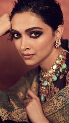 Deepika Padukone Looks Royal As She Decks Up In Sabyasachi Saree For Reliance Foundation 10 Year Anniversary - HungryBoo Cute Eye Makeup, Makeup Looks, Makeup 101, Celebrity Makeup, Celebrity Style, Deepika Padukone Saree, Shraddha Kapoor, Ranbir Kapoor, Priyanka Chopra
