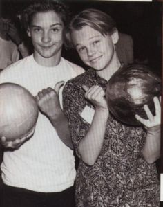 Childhood friends Tobey Maguire and Leonardo Dicaprio. AND THEY WERE BOTH IN THE AVIATOR AND THE GREAT GATSBY HOLY CRAP