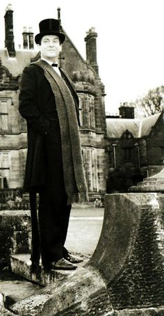 If I win the lottery, I'll get major plastic surgery and a wardrobe update to look like Jeremy Brett's Sherlock Holmes.