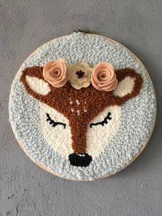 Punch needle embroidery #amyoxford #oxfordpunchneedle #broderie #punchneedle #deco #deer #biche #feutrine #felt