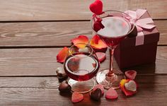 Date on Valentines Day photo by on Envato Elements Valentines Day Photos, Valentine Day Love, Relaxing Tea, Homemade Burgers, Romantic Evening, Festival Party, Alcoholic Drinks, Dating, Chocolate