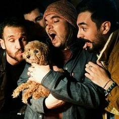 Awwww >>> I like how woody and kyle are freaking out over its cuteness, will is trying to kiss it, and dan's just death-glaring it
