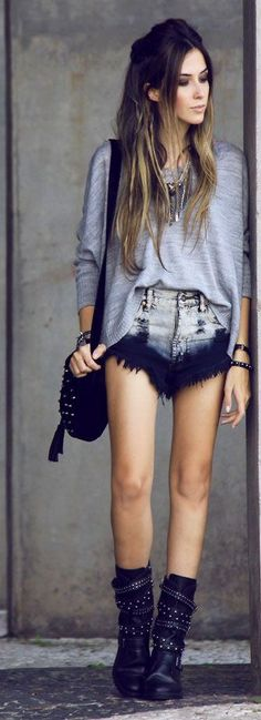 Love this! The metal beads, the purse, the ombre shorts... I like the top.