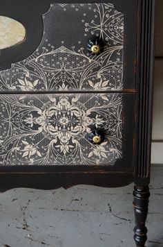Black painted furniture with wallpaper decoupage. Black Painted Furniture, Lacquer Furniture, Decoupage Furniture, Refurbished Furniture, Paint Furniture, Repurposed Furniture, Furniture Projects, Furniture Making, Furniture Makeover