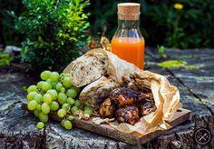 Pieczone udka z kurczaka dla Suriusza Blacka / Baked chicken drumsticks for Sirius Black , more photos and recipe here: https://miodowekrolestwo.wordpress.com/2017/09/25/pieczone-udka-z-kurczecia-dla-syriusza-baked-chicken-drumsticks-for-sirius-black/
