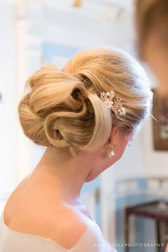 wedding hairstyle; photo: Karen Hill Photography