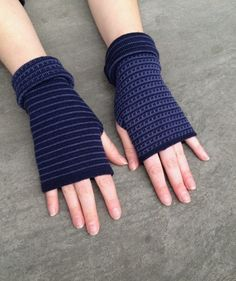 Arm warmers Fingerless gloves two-sided merino mittens navy+late blue #fingerlessgloves #armwarmers