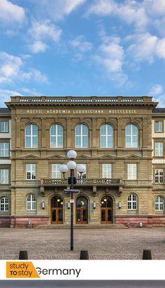 Гиссенский Университет начал свою академическую деятельность в 1607 году. JLU — престижный вуз. Он является одним из самых почетных и старинных вузов Германии.   JLU стабильно занимает место в Топ-5% вузов Германии.  JLU — крупный университет. Здесь обучается около 25 тыс. студентов, примерно 9% из которых — иностранцы.  #германия #гиссен #университет #вуз #образованиевгермании #образованиезарубежом #переездвгерманию #европа #топ #лучшиевузы #высшееобразование Mansions, House Styles, Home Decor, Decoration Home, Manor Houses, Room Decor, Villas, Mansion, Home Interior Design