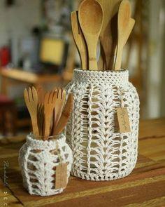 Free Knitting Pattern for Santa Claus Gift Bag - Kivoyi Crochet Crochet Decoration, Crochet Home Decor, Diy Crochet, Crochet Crafts, Macrame Art, Macrame Design, Macrame Projects, Crochet Projects, Crochet Motifs