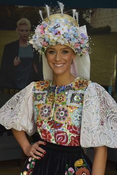 lujza_strakova_miss_world_mmagazin7a Ethnic Fashion, Colorful Fashion, Heart Of Europe, Miss World, Folk Costume, My Heritage, Traditional Dresses, Folk Art, How To Wear
