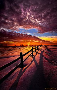 Sunrise horizon in Wisconsin on the other side of somewhere • photo: Phil Koch on Flickr