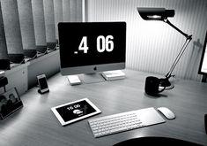 iMac desk setup of a project manager