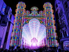 The Italian family business Luminaire de Cagna was the main attraction this year at the 2012 Light Festival in Ghent, Belgium.