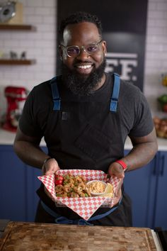Watch chef Lamar Moore replace surf with turf and turn Calamari into Cowlamari. Fried Banana Peppers, Fried Bananas, Stuffed Banana Peppers, Stuffed Jalapeno Peppers, Crispy Beef, Fried Beef, Pickled Cherries, Smoked Jalapeno, Beef Strips