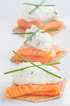 This smoked salmon and goat cheese appetizer is perfect for hosting! Creamy and delicious, and only takes about 15 mins to prep. This dish looks so good!
