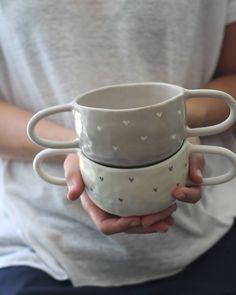 "Polubienia: 310, komentarze: 7 – Tea Radic (@terraceramica) na Instagramie: ""Hug bowl #ceramique #ceramic #pottersofinstagram #pottery #tableware #tabledesign #handcrafted…"""