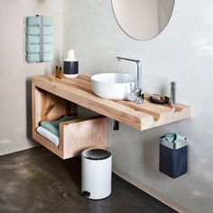 ideas for bathroom door towel storage ideas Bathroom Towel Storage, Bathroom Towels, Small Bathroom, Bath Towels, Bathroom Doors, Bathroom Renos, Basement Bathroom, Washroom Vanity, Bathroom Taps