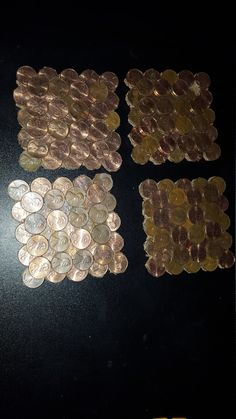 Pennies Crafts, Penny Decor, Coin Art, Diy Home Decor, Art Projects, Coasters, Coins, Make It Yourself, Trending Outfits