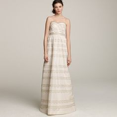 I love this dress. It seems to meld vintage feel and modern style really well.