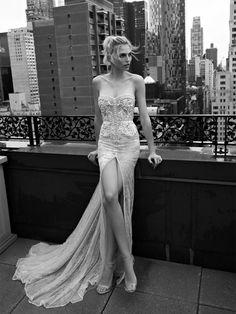 Hochzeitskleider 2017: Leichter Stoff mit viel Bein von Inbal Dror
