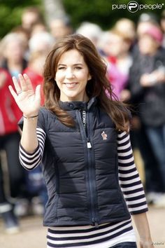 Crown Princess Mary of Denmark: great stripes, great hair.