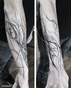 Dje's abstract organic tree tattoo <3<3<3 by KATAKANKABIN at Mandrika Studio, Montreal