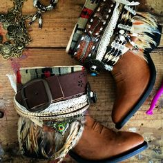 Upcycled reworked tribal boots vintage boho cowboy boots - c Boots Boho, Gypsy Boots, Cowgirl Boots, Western Boots, Hippie Boots, Diy Fashion, Fashion Boots, Festival Boots, Over Boots