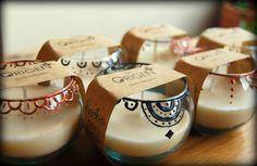 Eco-velas aromáticas De Origen.  De Origen Aromatic eco-candles. Glass Of Milk, Panna Cotta, Ethnic Recipes, Food, Ideas, Raw Materials, Essen, Yemek, Meals
