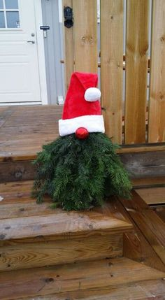 Christmas Craft: Bead and Pipe Cleaner Ornaments – Get Ready for Christmas Christmas Tree Farm, Primitive Christmas, Rustic Christmas, Christmas Holidays, Christmas Wreaths, Christmas Ornaments, Christmas Arrangements, Outdoor Christmas Decorations, Holiday Decor