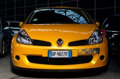 Clio Meeting 2013 - 21 by VenonGT on DeviantArt Clio Sport, Cars And Motorcycles, Racing, French, Vehicles, Sports, Ideas, Running, Hs Sports