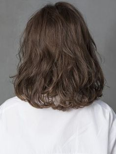 New Haircut Curly Hair Medium Wavy Lob Ideas- stuff. New Hair Haircuts Straight Hair, Short Choppy Hair, Short Hairstyles For Thick Hair, Short Curly Hair, Wavy Hair, Short Hair Cuts, Wavy Lob, Haircut Short, Medium Permed Hairstyles