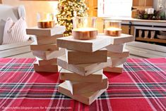 15 AWESOME & EASY Scrap Wood Projects Don't throw wood scraps away! Put them to good use by building one of these fun and functional projects for your home. Diy Wooden Projects, Easy Woodworking Projects, Wooden Diy, Woodworking Plans, Woodworking Furniture, Furniture Projects, Wood Projects For Beginners, Projects To Try, Copper Wood