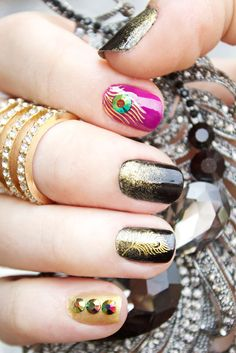 http://quietlioncreations.blogspot.com/2014/07/birds-of-feather-manicure.html Do you like this nail art design? #goldfeather #nailart #rhinestone #peacocknailart #peacockfeather