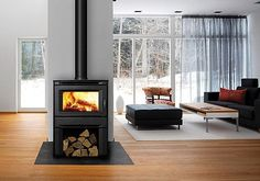 Nice and clutter free room. Wood Stove Hearth, Fireplace Hearth, Stove Fireplace, Wood Burner, Fireplaces, Outdoor Fireplace Designs, Fireplace Ideas, Ibiza, Freestanding Fireplace