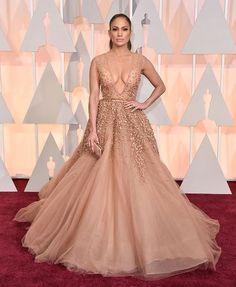 Oscars 2015 Red Carpet Arrivals | Jennifer Lopez (Elie Saab gown)