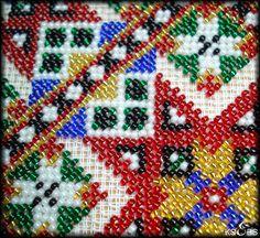 Hvordan sy med perler. – Vevstua Bull-Sveen Hardanger Embroidery, Friendship Bracelets, Beads, Beadwork, Crochet, Artwork, Diy, Canvases, Needlepoint