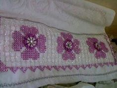 Elsa, Front Yards, Crochet, Embroidered Towels, Bead, Tablecloths, Ganchillo, Crocheting, Knits