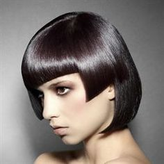 Who wants to try this asymmetrical double cut from the Sanrizz Collection? I'd love to try it at La Bellissima!