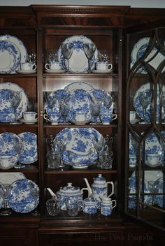 The Pink Pagoda: Happy Blue and White Monday! Dish Display, China Cabinet Display, Blue China Cabinet, Plate Display, Blue Willow China, Blue And White China, Blue And White Dinnerware, Blue Dishes, White Dishes