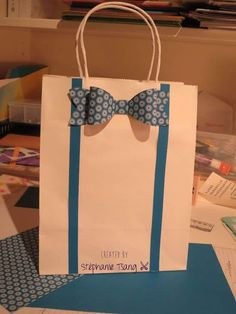 Paper Gift Bag Bow Tie and Suspenders Masculine Father's Day Stéphanie Tsang - Libellule Créations - Stampin' Up Creative Gift Wrapping, Creative Gifts, Wrapping Ideas, Wrapping Gifts, Craft Gifts, Diy Gifts, Best Gifts, Paper Gift Bags, Paper Gifts