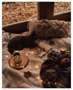 Cosy Aesthetic, Brown Aesthetic, Autumn Aesthetic, Aesthetic Style, Aesthetic Bedroom, Aesthetic Fashion, Wallpper Iphone, Icon Background, Applis Photo