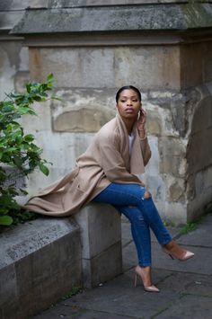Let's take a moment to appreciate Shirley's style. That Zara coat is giving me… Classy Outfits, Cute Outfits, Sophisticated Outfits, Work Outfits, Fashion Outfits, Womens Fashion, Fashion Styles, Casual Chic, Semi Casual