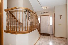 Foyer  3847 Tessier Trail, Vadnais Heights, MN 55127  http://www.movingtominnesota.com/property-item/gorgeous-vadnais-heights-home/