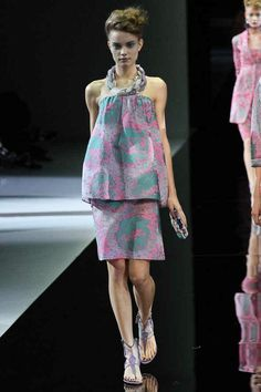 Giorgio Armani Spring 2014 Ready-to-Wear Collection Slideshow on Style.com