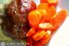 A Feast for the Eyes: Blue Plate Special-- The very best meatloaf recipe. I promise! Good Meatloaf Recipe, Best Meatloaf, Meatloaf Recipes, Meat Recipes, Cooking Recipes, Potato Recipes, Vegetable Recipes, Glazed Carrots, Pasta