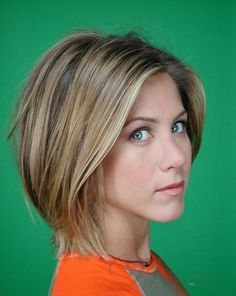 "love the highlights. Jennifer Aniston, the original ""brond."" Photo of Barbara Green Photoshoot 2001 for fans of Jennifer Aniston. Jennifer Aniston Short Hair, Jenifer Aniston, Jennifer Aniston Young, Jennifer Aniston Hairstyles, Jennifer Aniston Hair Friends, Easy Short Haircuts, Short Bob Hairstyles, Bob Haircuts, Hairstyles 2016"